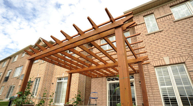 Square deck with full covered pergola