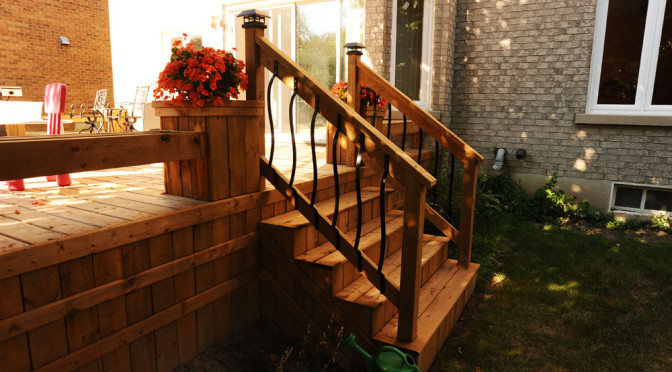 Mediun height Deck with flower bows